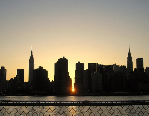 Manhattanhenge from Queens, Photo by David Reeves via flickr