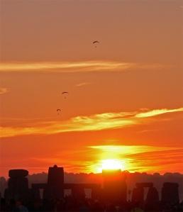 Stonehenge at the solstice sunrise by tarotastic via flickr